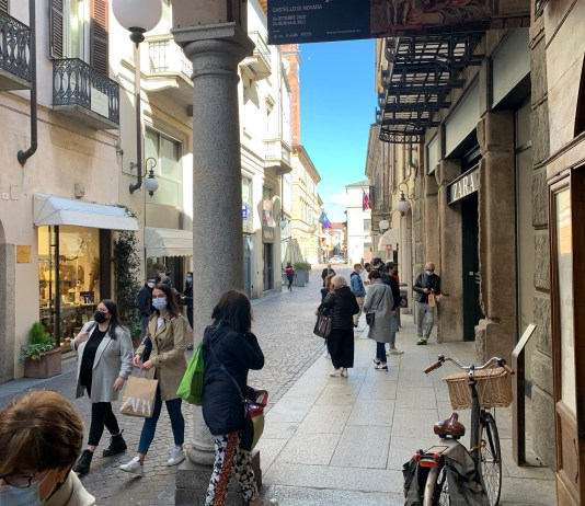 Zona arancione, riaperti i negozi