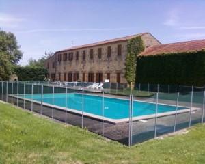 Gîte, terrasse et piscine