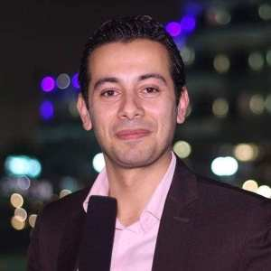 الاعلامي عمرو أحمد