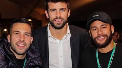 صورة نيمار يلتقي لاعبي برشلونة في العاصمة