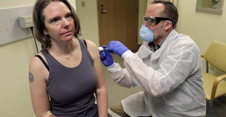 ما شعور أول امرأة تلقت اللقاح التجريبي ضد «كورونا»؟