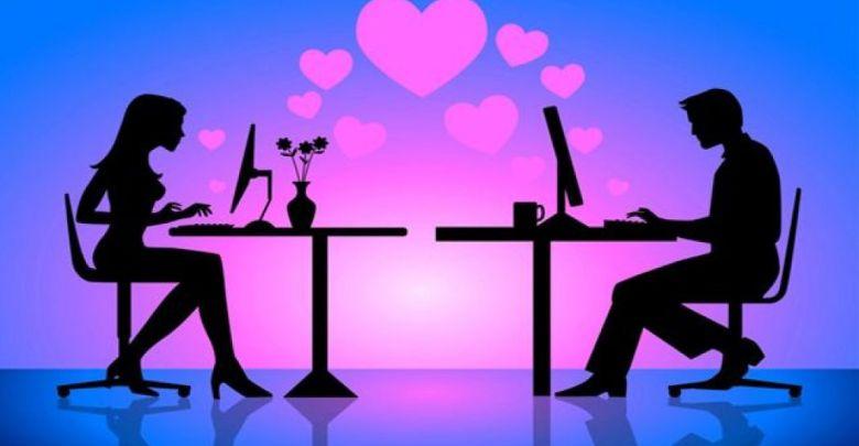 الحب الإلكترونى يأتى من أول مراسلة