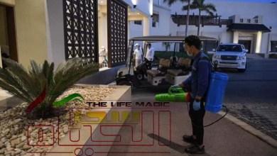 صورة وزير السياحة يسلم شهادة السلامة الصحية 35 فندقا سياحيا