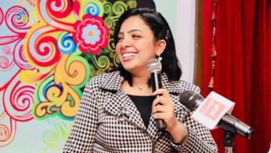 صورة تكريم الإعلامية الدكتورة شاهندة أنور مقدمة برامج تلفزيونية بقناة الحدث اليوم والنهار