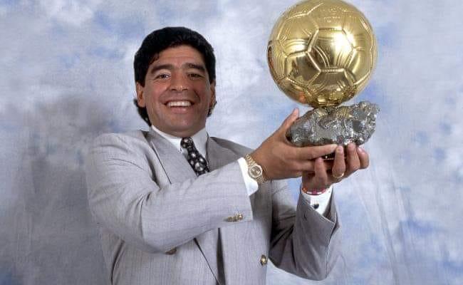 """محامي مارادونا يفجّر """"مفاجأة"""" بشأن وفاة الأسطورة"""