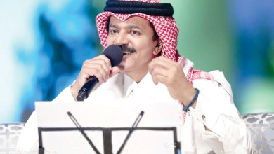 """صورة علي عبد الستار اسمعوا """"حبيبي"""""""