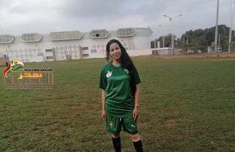 """صورة لاعبة كرة القدم المغربية سمية طالب"""" طموحي تمثيل المنتخب الوطني"""""""