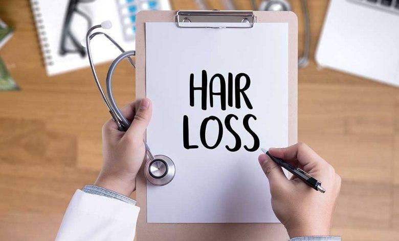 أهم أسباب تساقط الشعر والتحاليل الخاصة به