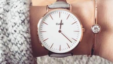 صورة ما السبب وراء لبس الساعة في اليد اليمنى؟؟؟