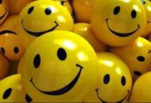 صورة الابتسامه أقوى من الشيكولاته …