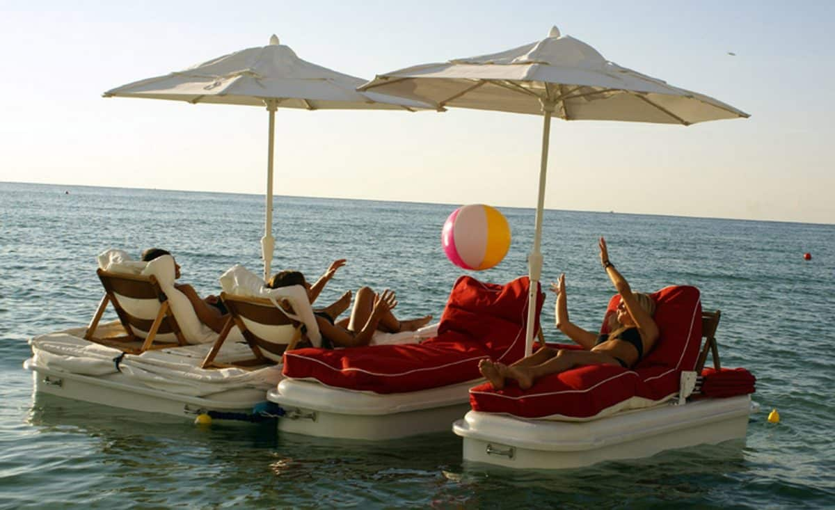 raft-up-and-play-on-Seaduction-Floats