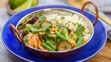 Picture of Salmon bean eggplant green curry