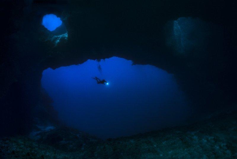 underwater ocean cavern photography cave lighting