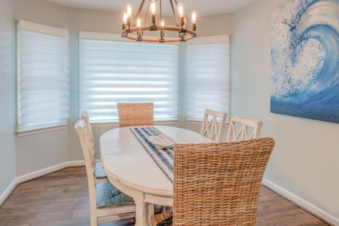 Kitchen Remodel in Velta Drive, Ocean View DE with Oval Dining Table and Six Chairs