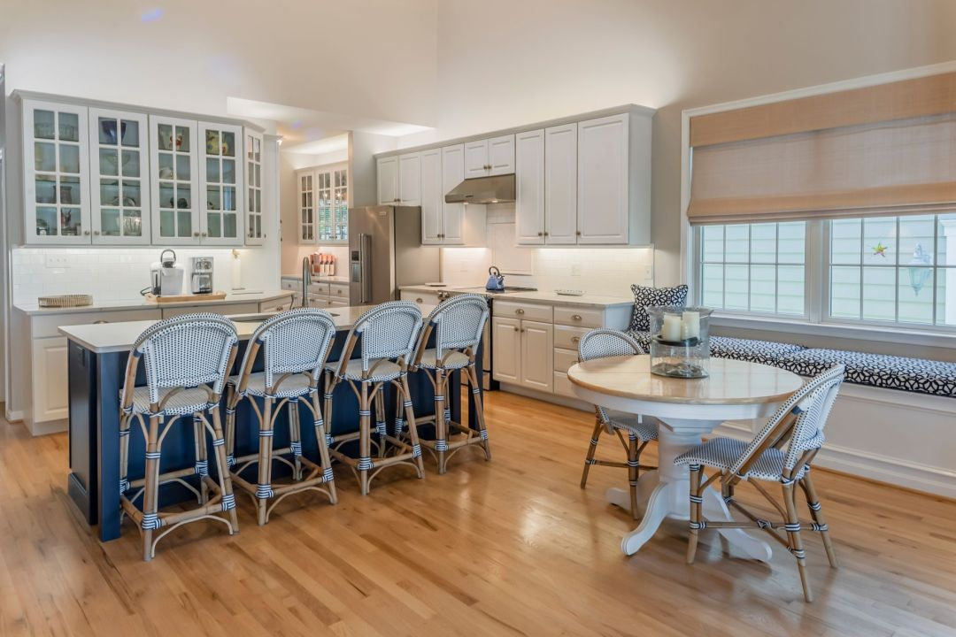 Kitchen Remodel in Willow Oak, Ocean View DE with Round Table for Two