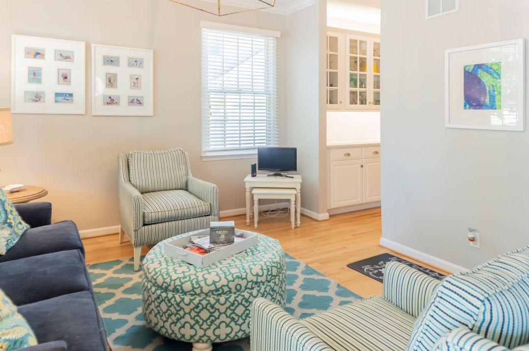 Kitchen Remodel in Willow Oak, Ocean View DE with Soft Furniture and Round Soft Table