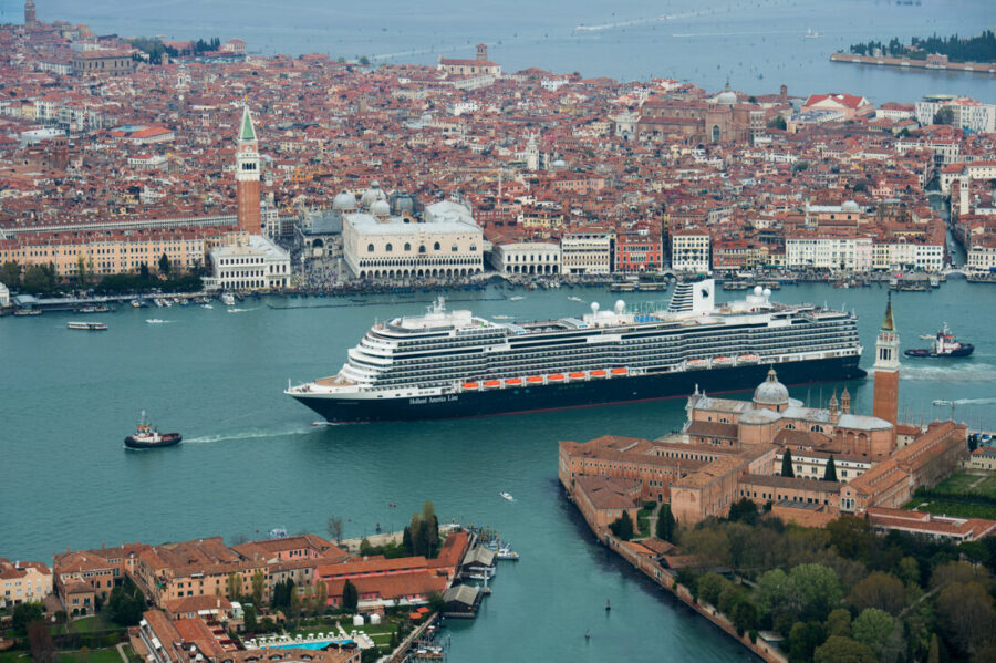 MS Koningsdam from Holland American Lines (Subsidiary of Carnival Corp) channeling in Venice