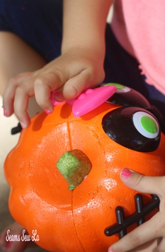 Easy Pumpkin Decorating for Kids and Toddlers
