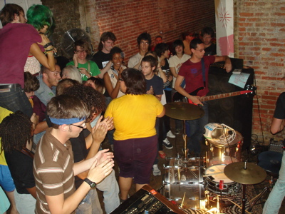 MAE SHI TONITE! PLUS, *HOT* NEW PHOTOS: ANAVAN, LACO$TE, FOOT VILLAGE, EYES AND EARS, TEAM ROBESPIERRE, & MORE AT THE SMELL!!!