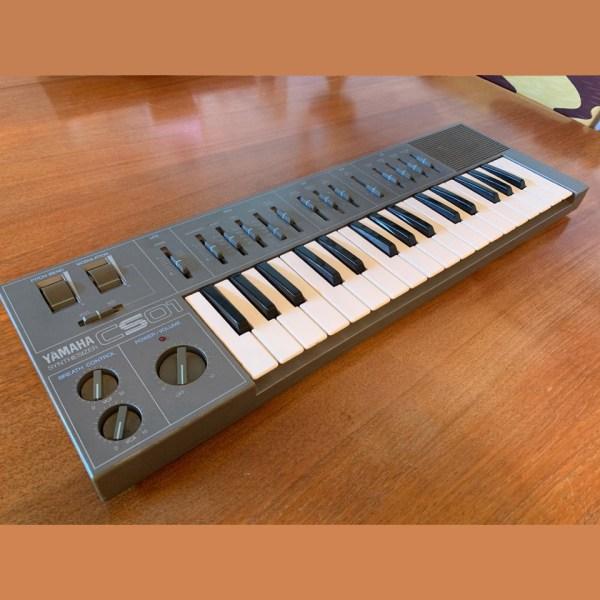 Yamaha CS01 Analog Synthesizer