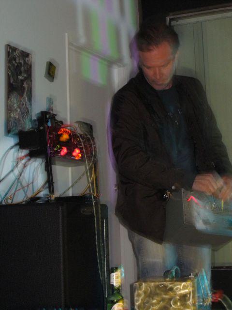 Oscillator aka Ben Wolcott