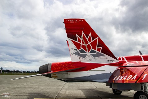 snowbirds-and-cf-18-comox-2017-sean-costello-9864