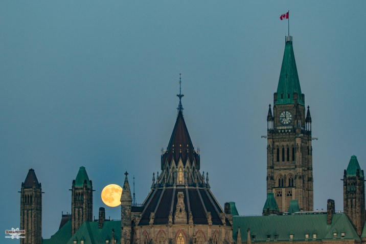 full-buck-moon-ottawa-parliament-july-2017-sean-costello-9105