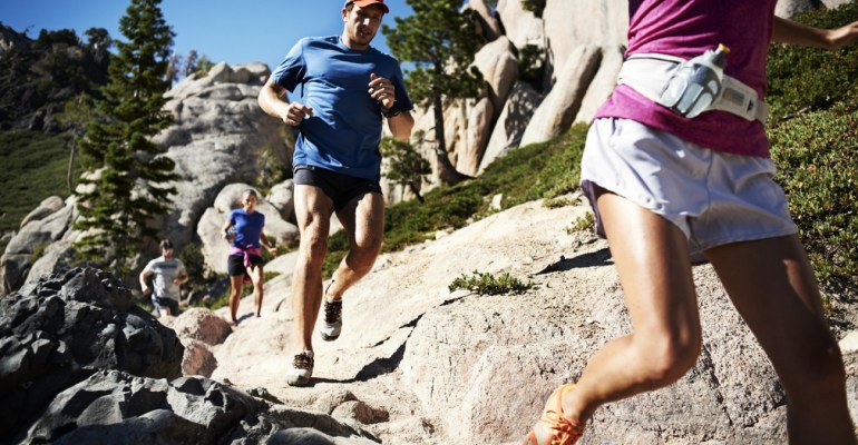 Sean Lerwill running in Lake Tahoe (USA)