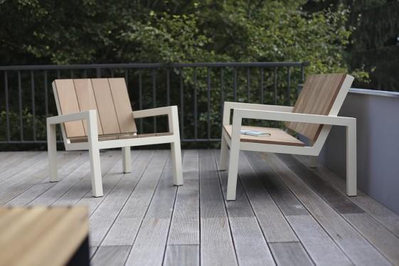 petit fauteuil exterieur de jardin laurede en metal acier de couleur et en bois massif seanroyale