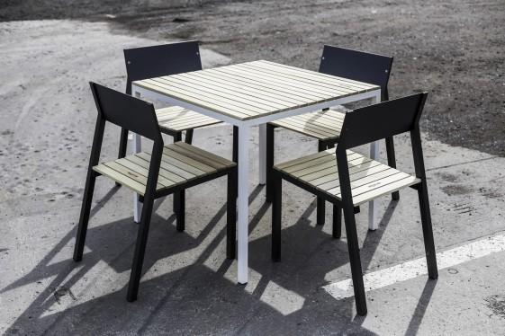 salon de jardin cora table carree et 4 chaises metal aluminium de couleur et bois massif seanroyale