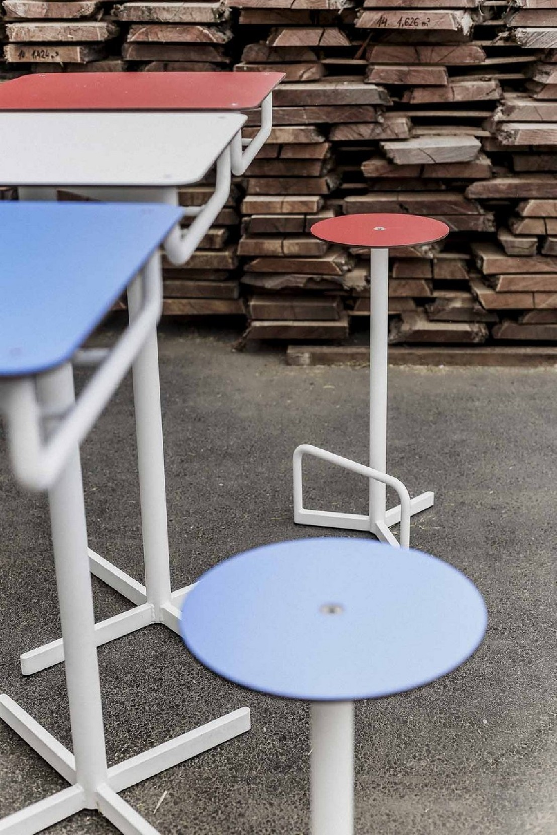 Table Jardin Plateau Resine Imitation Bois - Design per la casa e ...