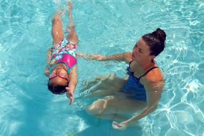 backstroke swim lessons