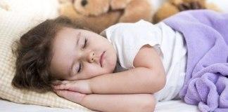 Estudo relaciona falta de sono e obesidade infantil