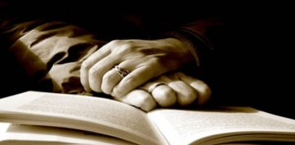 Deus fala sabiamente