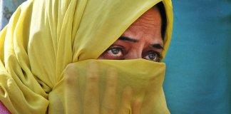 Casal cristão é morto no Paquistão acusado de profanar o Corão