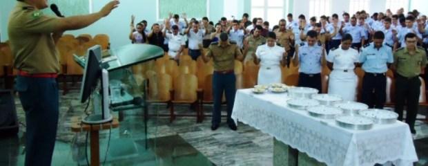 Salário de R$ 9 mil para pastores e padres capelães