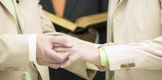 Igreja Episcopal da Escócia aprova casamento entre pessoas do mesmo sexo