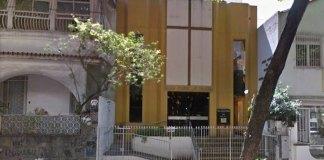 Igreja evangélica faz doação para reconstrução de terreiro de candomblé