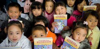China proíbe ensino da Bíblia a crianças e pais protestam