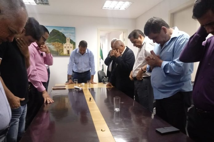 Prefeito de Cariacica se reúne com liderança evangélica