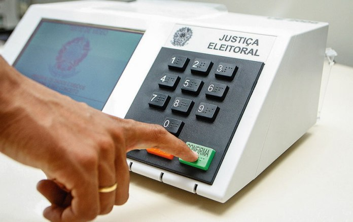 Eleitores brasileiros que moram no exterior já começaram a votar