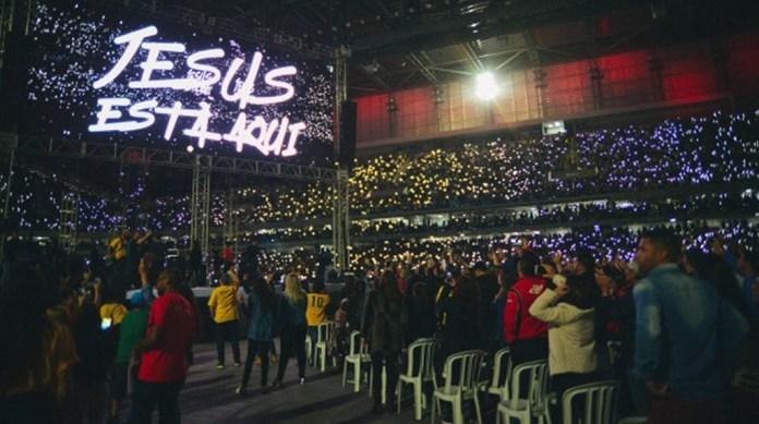 Evento evangélico supera recorde de público da Arena da Baixada, no Paraná