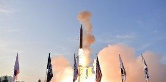 Israel testa sistema de defesa de mísseis balísticos com apoio dos EUA
