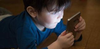 Crianças podem comprometer o desenvolvimento cerebral com o Uso excessivo de aparelhos eletrônicos