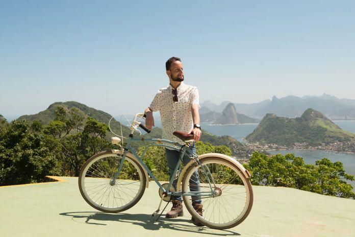 """Edu Lucassi lança o single """"O Criador"""""""