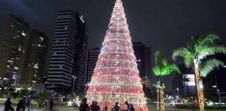 Decoração de Natal traz luz e brilho para a capital