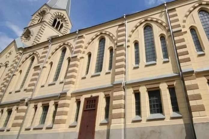 Igrejas evangélicas são fechadas na Rússia e sofrem restrições