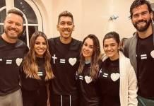 Roberto Firmino é batizado com a presença de amigos na Inglaterra