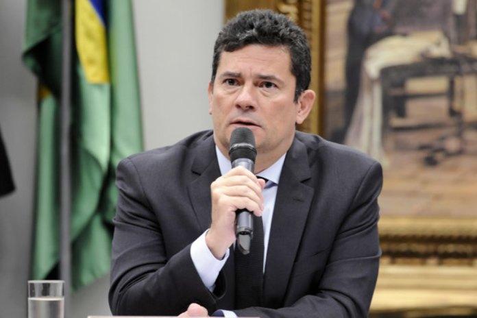 Ministro Sergio Moro pede demissão do governo