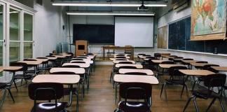 Vitória: Torpedo informa pais de alunos sobre atividades educacionais